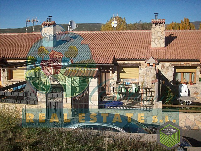 Terraced house with garden in Sierra de Gredos.