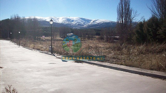 3 urban plots of in Navarredonda de Gredos